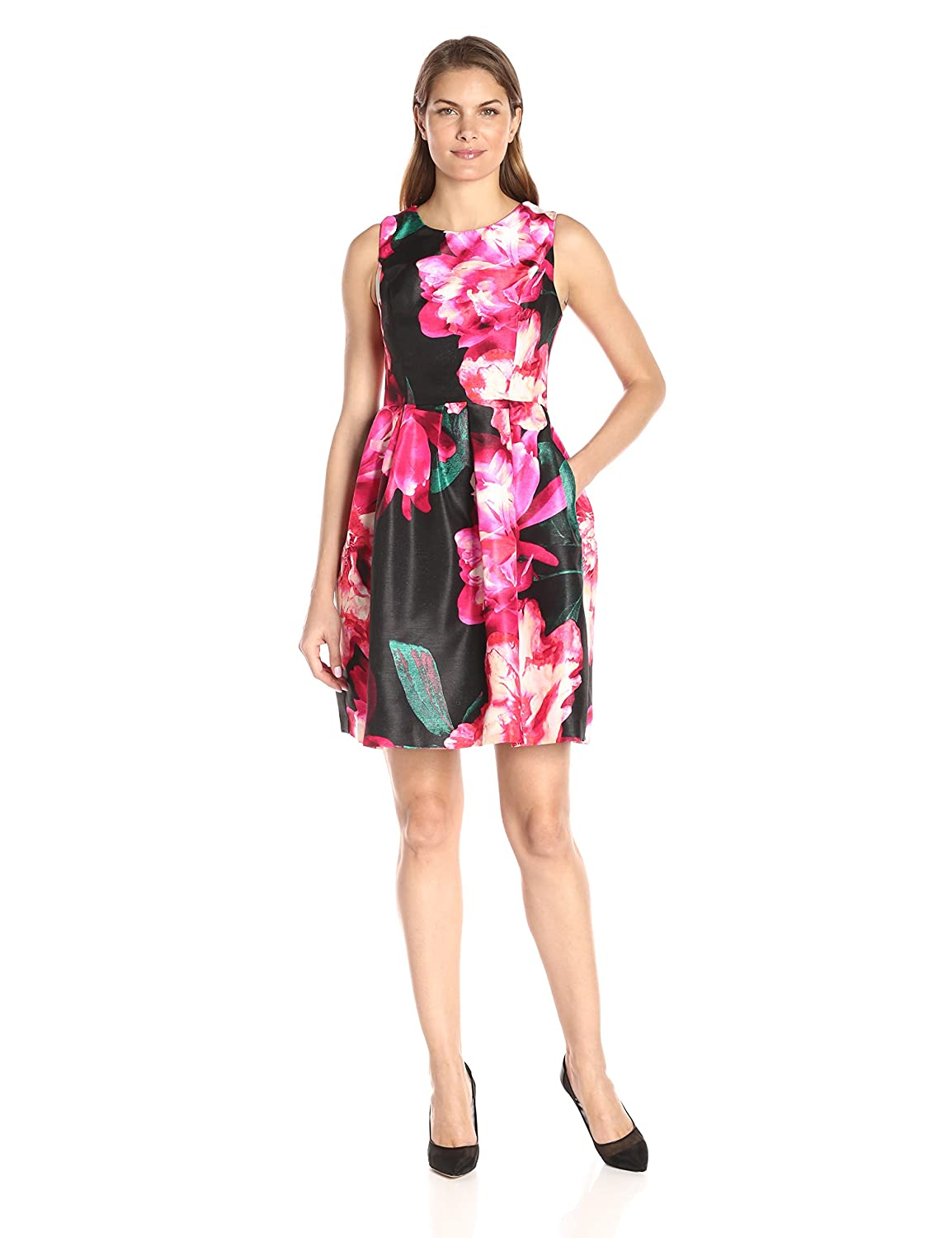 3a80801dfe Amazon.com  Donna Ricco Women s Short Sleeve Floral Printed Scuba Fit and Flare  Dress  Clothing