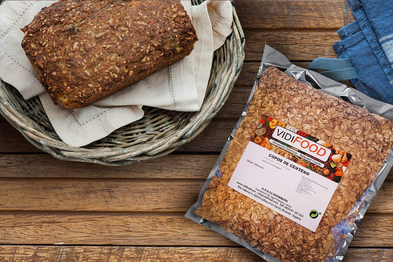 Copos de avena - 3kg - Rica en nutrientes, vitaminas y minerales - 100% natural y libre de toxinas - Cereal para el desayuno - Fuente deliciosa de ...