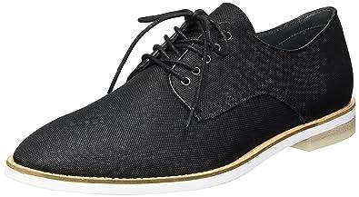 20da45221f6 Calvin Klein Men s Atlee Ballistic Nylon Oxford