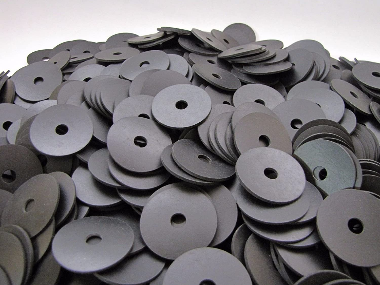 100 Neoprene Rubber Washers 1 1 2 OD x 5 16 ID x 1 16 Thickness Endeavor Series