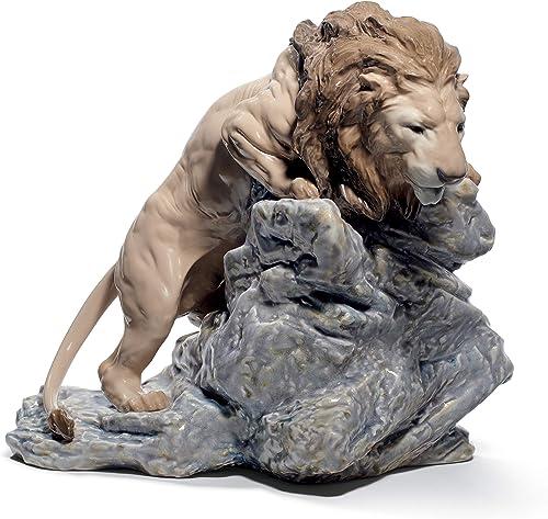 LLADR Lion Pouncing Figurine. Porcelain Lion Figure.