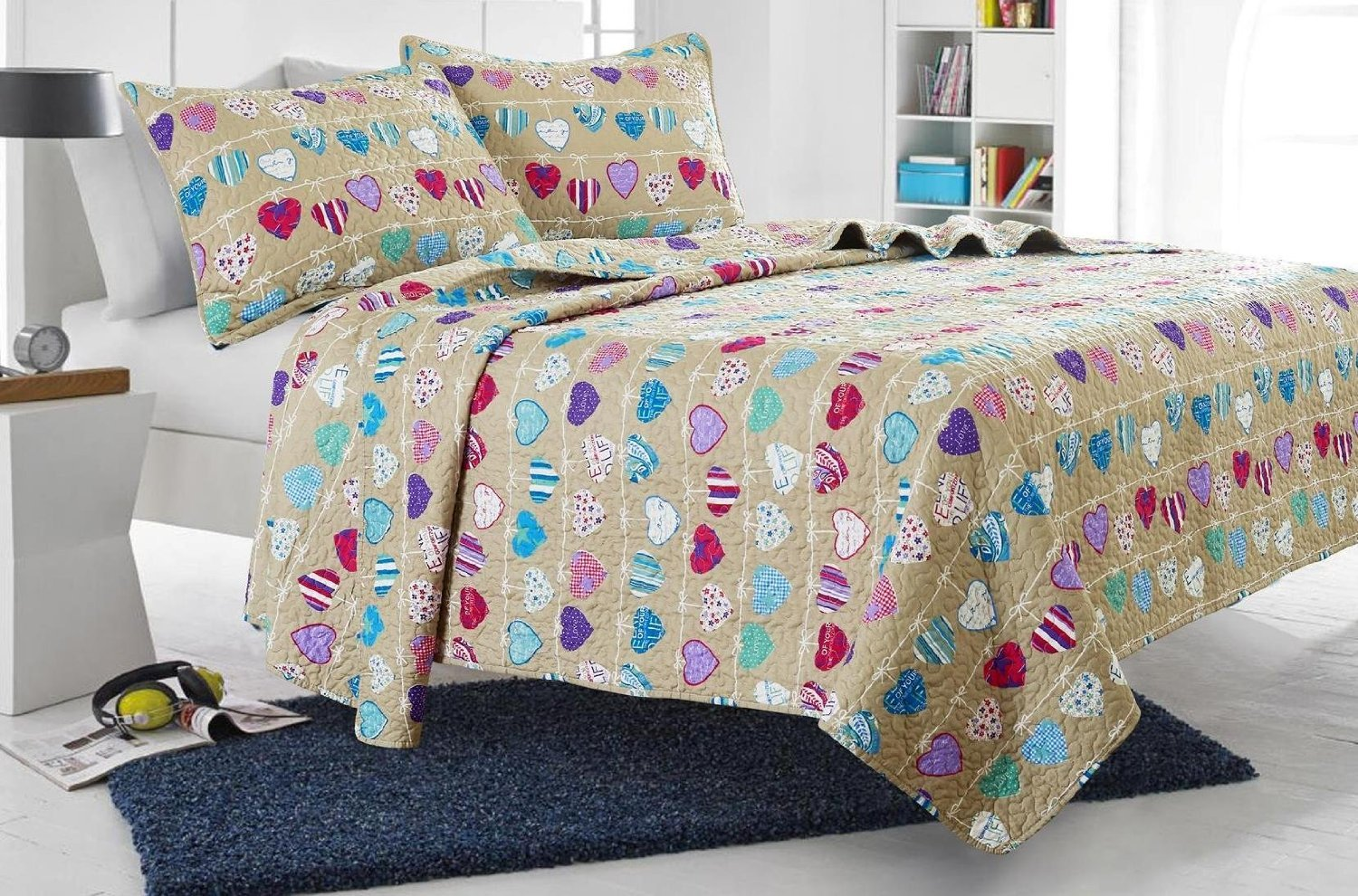 Web Linens Inc 3pc Beige Love Hearts Quilt Set - Style # 1019 - Full/Queen - Cherry Hill Collection