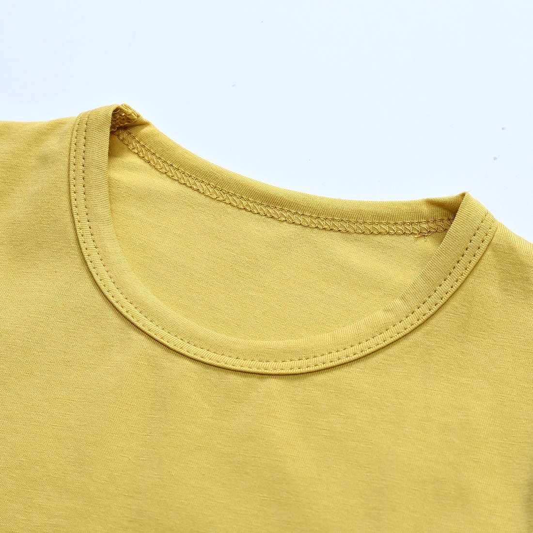 b3e5044e557f Amazon.com  ChicNChic Baby Girls Boys Outfits Car T-Shirt + Black Plaid Shorts  Summer 2pcs Set Clothes  Clothing