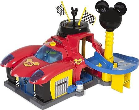 Figura Mickey articulada exclusiva,La figura mágicamente activa luces y sonidos,Incluye 2 vehículos