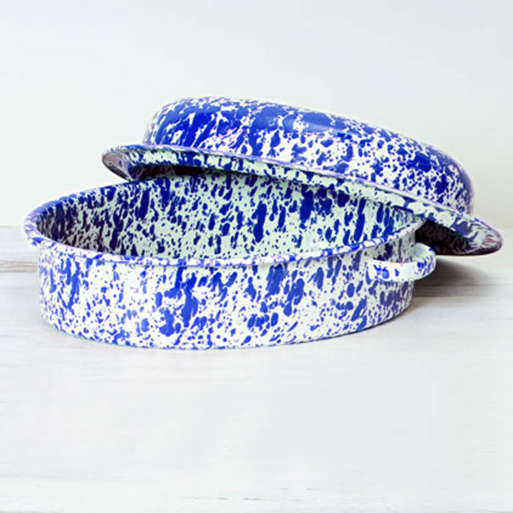 Enamelware Covered Oval Roaster, 9.25 x 12.75 inches, Blue/White Splatter