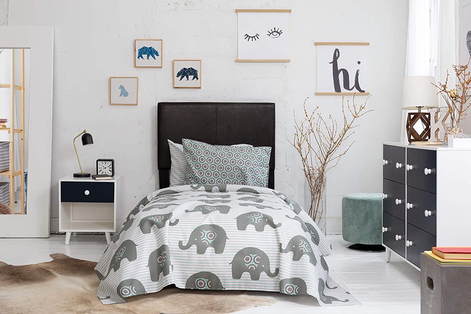 """2 Pillow Cases Double-Brushed Microfiber Starry Night Sky Print 4 Pc Gender Neutral Kids Bedding Set 1 Flat /& 1 Fitted Sheet Durable Super-Soft Chital Unisex Full Bed Sheets 15/"""" Deep"""