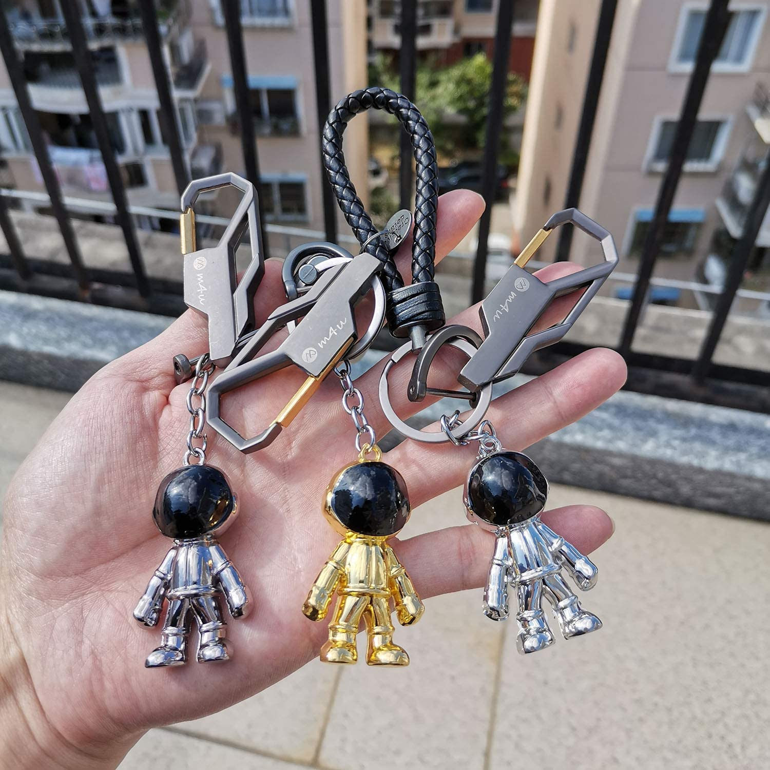 Genuine Leather Car Key Chain Cute Astronaut Keychain Rings Pendant for Crafts Space Robot keychain Gifts for Men and Women
