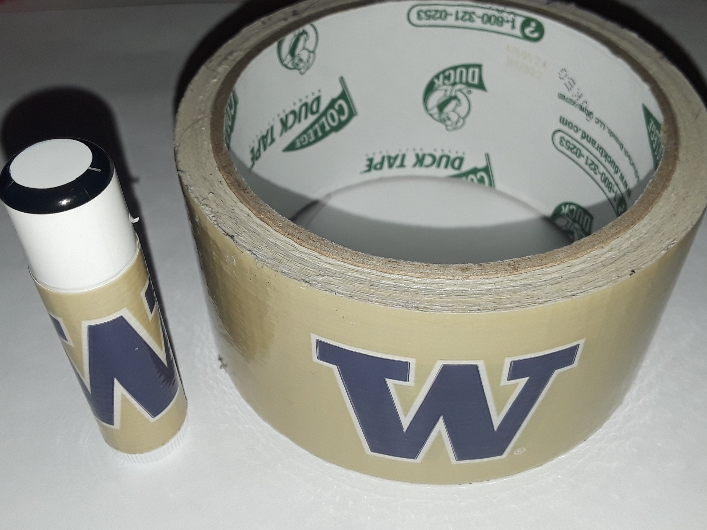 25 University of Washington Huskies NCAA Chap Stick Lip Balm twenty five pack pieces BULK