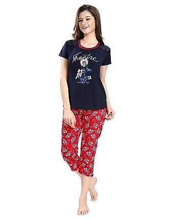 55c74bace3 AV2 Women Cotton Top   Capri Nightwear Loungewear Set  Amazon.in  Clothing    Accessories