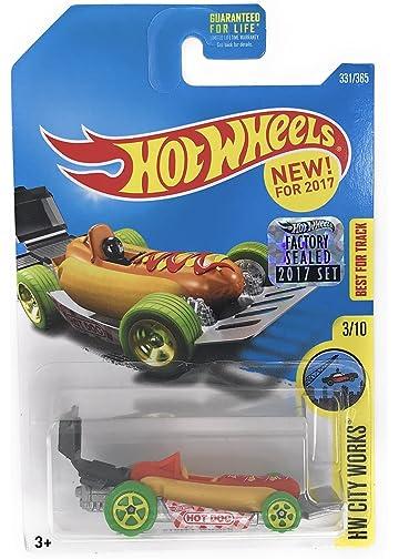 Amazoncom Hot Wheels 2017 Hw City Works Street Wiener Hot Dog Car