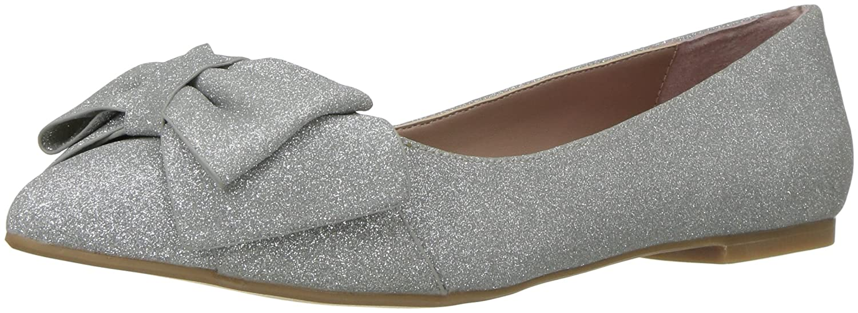 Betsey Johnson Women's Cindi Pointed Toe Flat B072MRBDH5 6 B(M) US|Silver