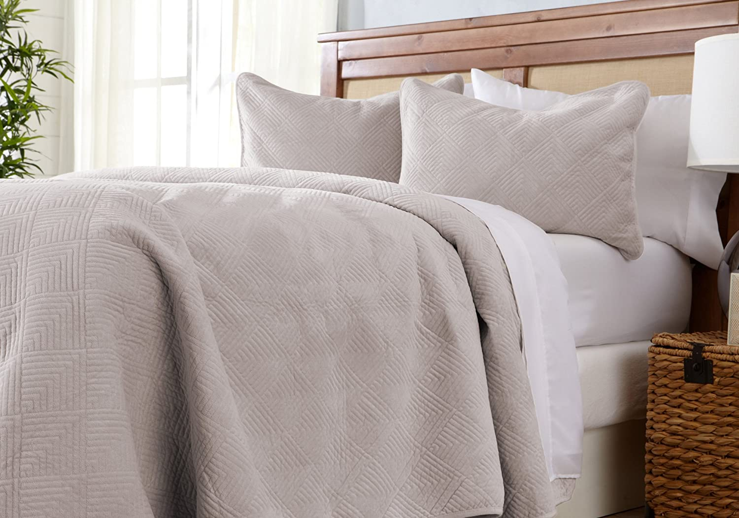 Great Bay Home Velvet Quilt Bedding Set, Luxury Diamond Pattern Quilted 3-Piece Solid Coverlet. Velvet Top with 70% Cotton Filling. (King, Light Taupe)