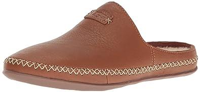 4bde95558d Amazon.com | UGG Women's Tamara Slip on Slipper | Slippers