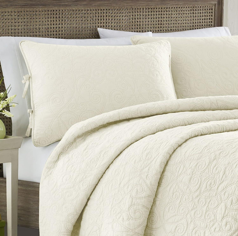 amazon com laura ashley felicity quilt set breeze blue full queen