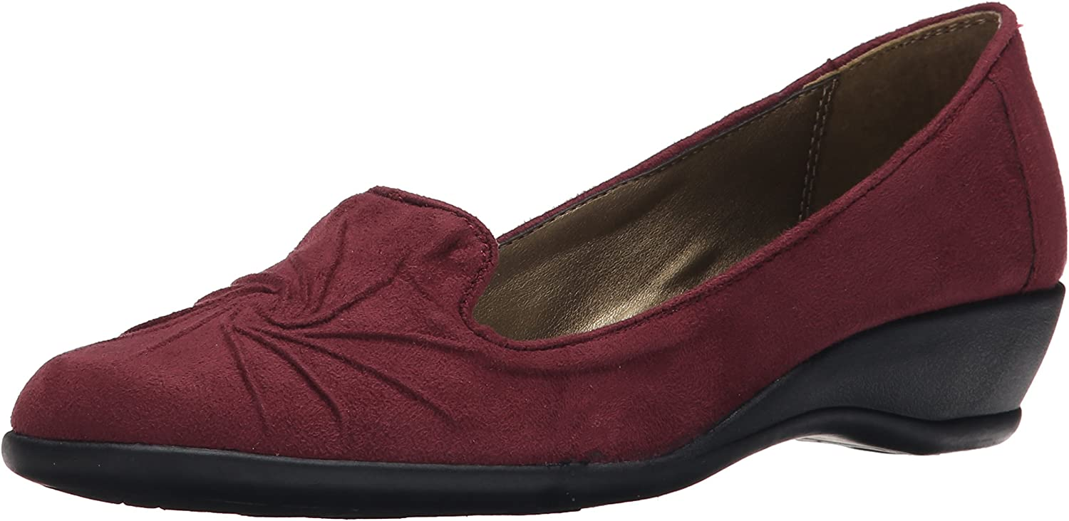 Soft Style by Hush Puppies Womens Jazlyn Slip-On Loafer