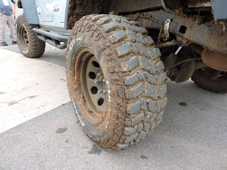 Cooper Discoverer STT Pro All-Terrain Radial Tire - 31X10.5R15 109Q