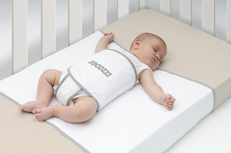 Snoozzz Schlafhilfe Regular für die Seitenlage und Ruckeinlage - Pucktuch - Lagerungskissen - für Wiege und Kinderbett - 0 bis 9 Monaten Tom' s Babycare BV 43000