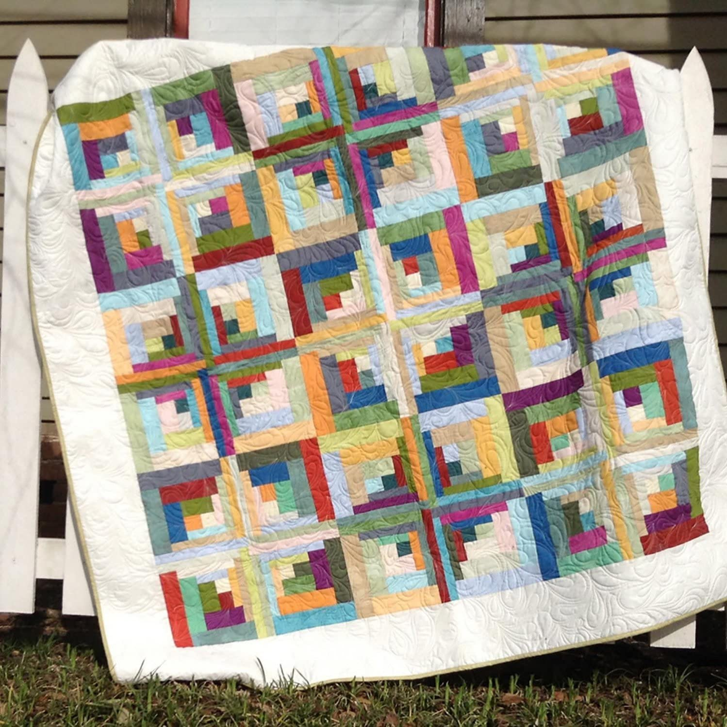 Amazon Com Carousel Curvy Log Cabin Quilt Pattern By Cut Loose Press And Natural Comforts Quilting