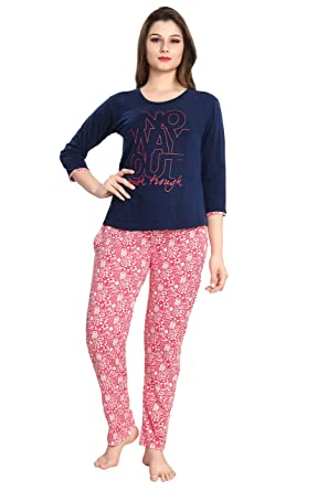 610831c729 AV2 Women Cotton Printed Top   Pyjama Set  Amazon.in  Clothing   Accessories