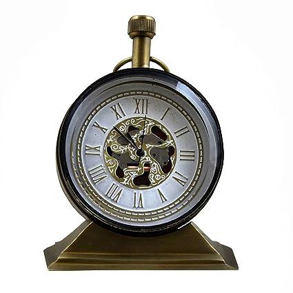 Escritorio decorativo y relojes de estante de estilo vintage ...