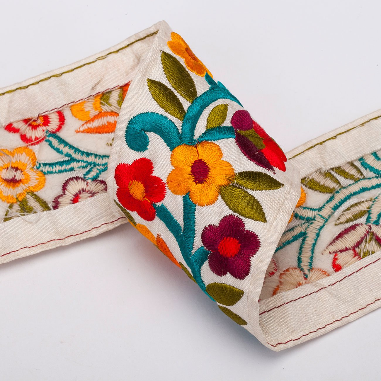 Image 1 of PACK OF EMBROIDERED RIBBONS from Zara