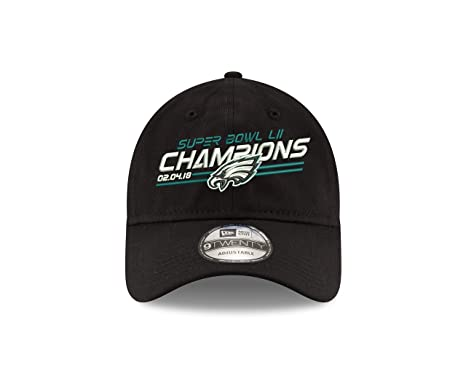 2290290bf Amazon.com  Philadelphia Eagles New Era Super Bowl LII Champions 9TWENTY  Adjustable Hat  Clothing