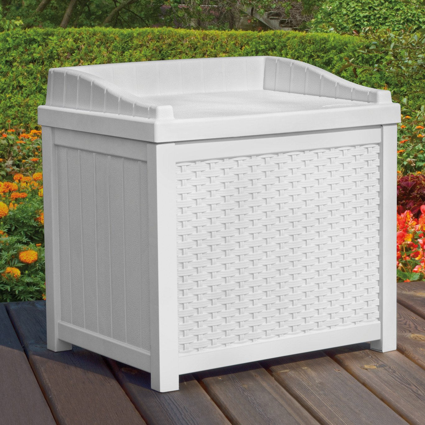 Amazon.com : Suncast SSW1200W White Wicker 22 Gallon Storage Seat : Patio,  Lawn U0026 Garden