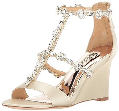 e5d9811bdc0 Amazon.com  Badgley Mischka Women s Tabby Wedge Sandal  Shoes