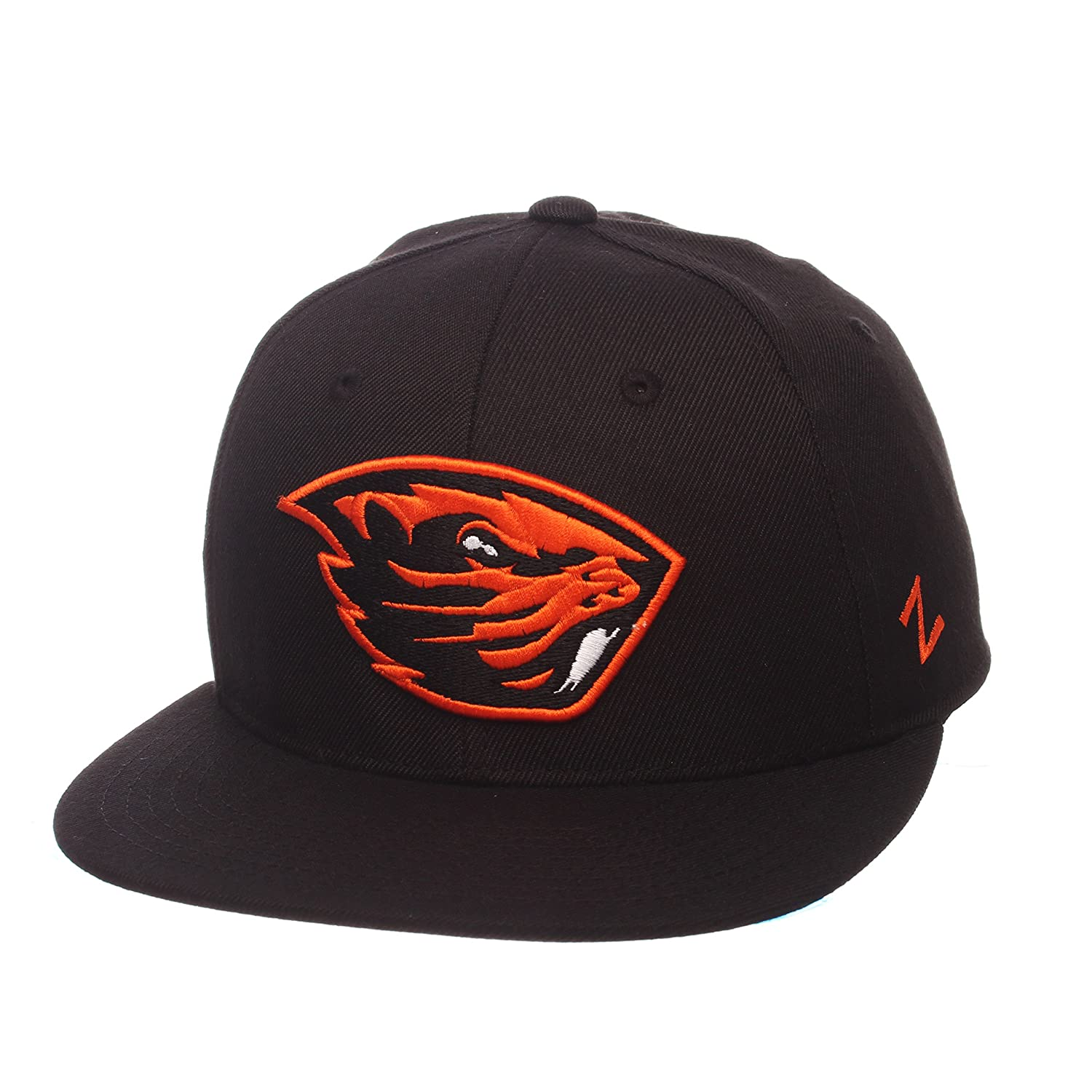 351ac1292a3f5 Amazon.com   ZHATS NCAA Mens M15 Fitted Hat   Sports   Outdoors