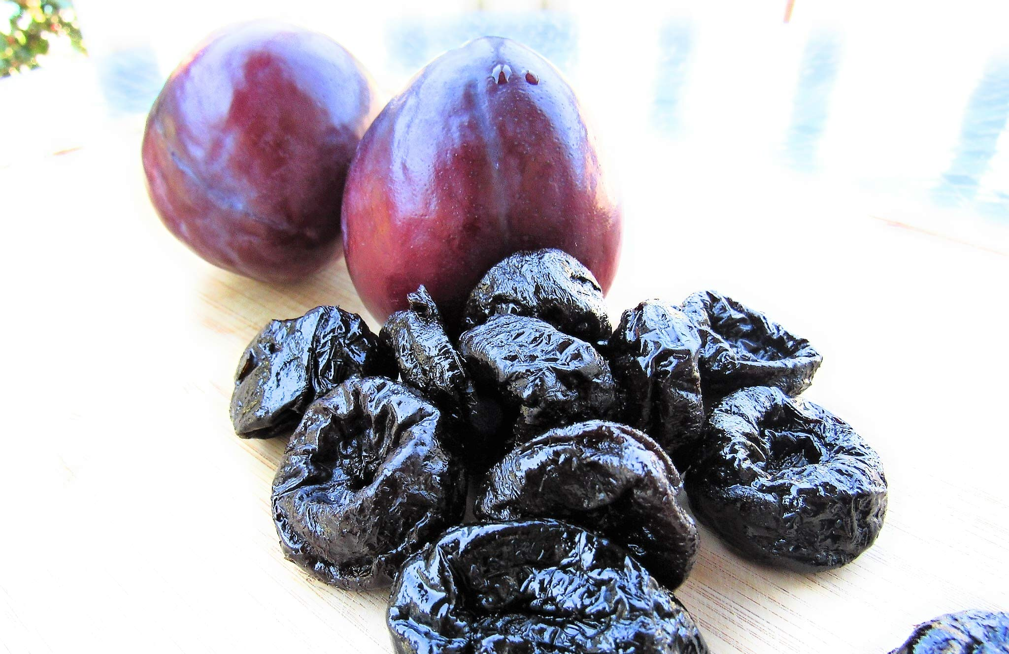 Prunes - Bulk Prunes In 25 Pound Boxes - Freshest and highest quality dried fruits from US Based farmer market - Quality dried fruits for homes, restaurants, and bakeries. (25 LBS)