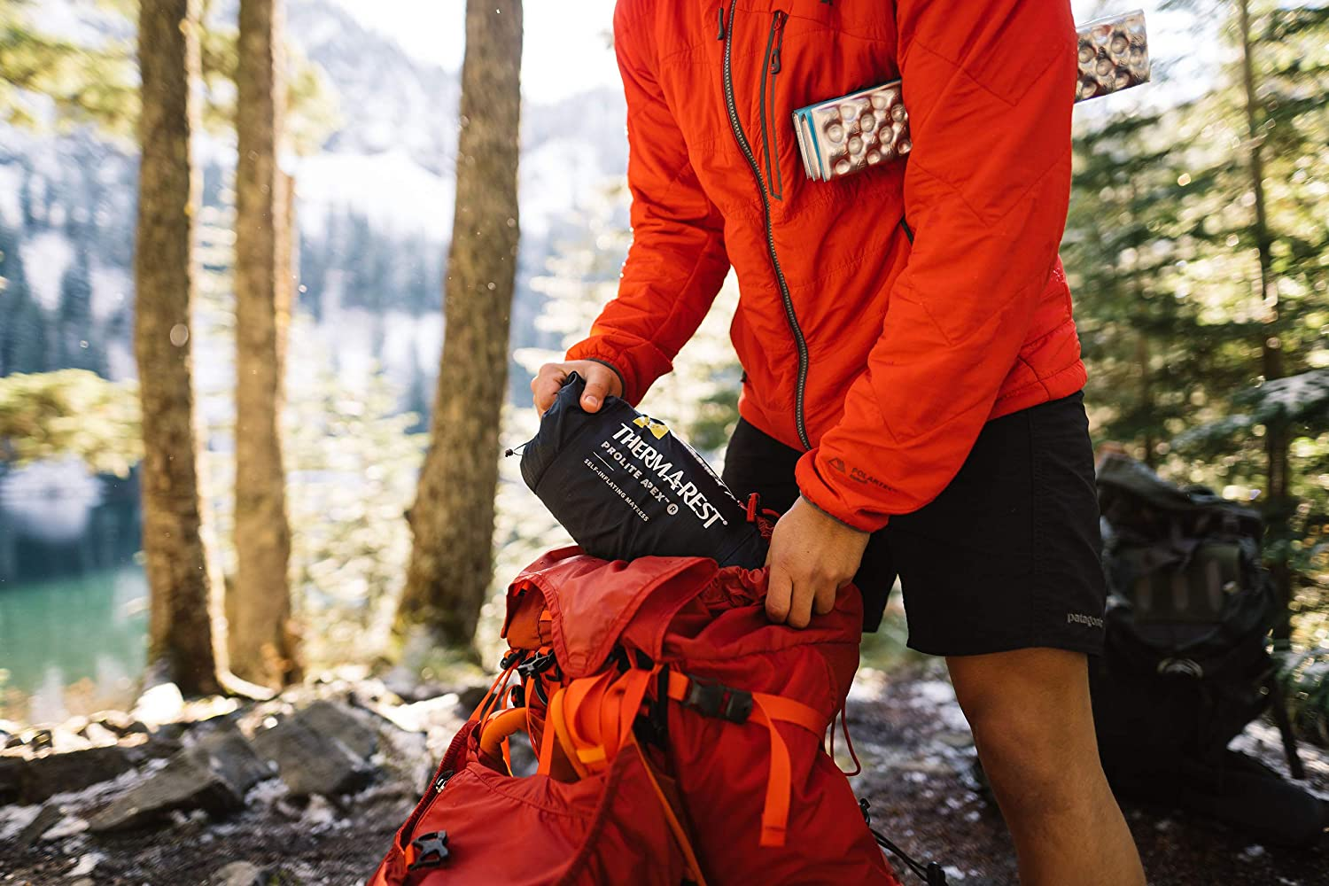 Therm-a-Rest Prolite Apex Ultraleichtes selbstaufblasendes Backpacking Pad mit WingLock Ventil