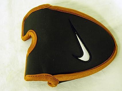Tiza Que pasa prototipo  Nike Ignite 004 Putter Headcover CS (Black) Mallet Golf Club Cover, Head  Covers - Amazon Canada