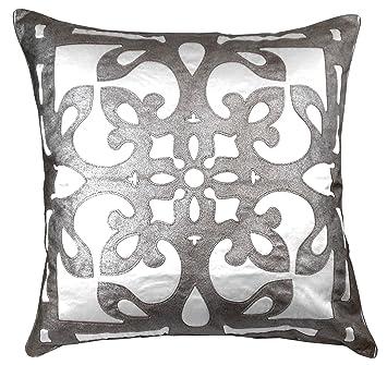 Amazon.com: Edie 24 x 24 Applique decorativos almohada ...