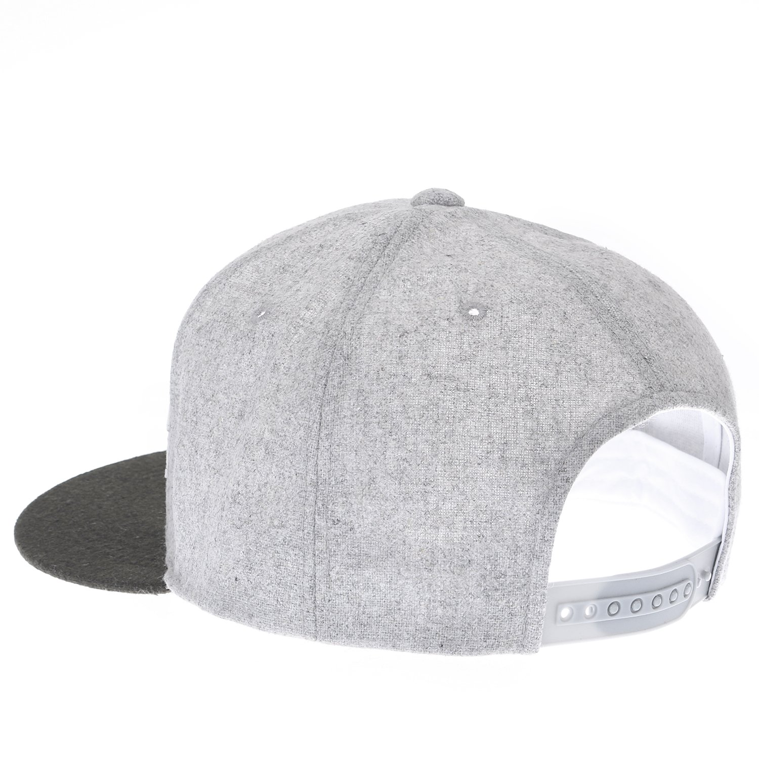 ililily Letter Patch Attached Flat Bill Snap Back Big Size Trucker Hat