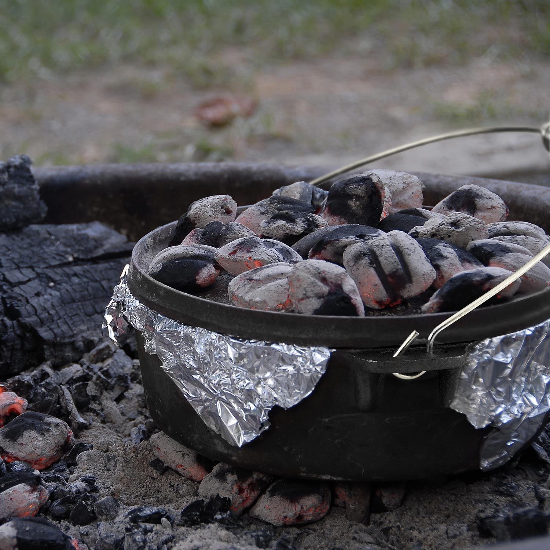 Klarstein Hotrod 145 Olla de Hierro Fundido (12 qt/11,4 litros, Tapa hermética, Ideal para Cocina sobre Fuego o brasas, óptima distribución del Calor, ...