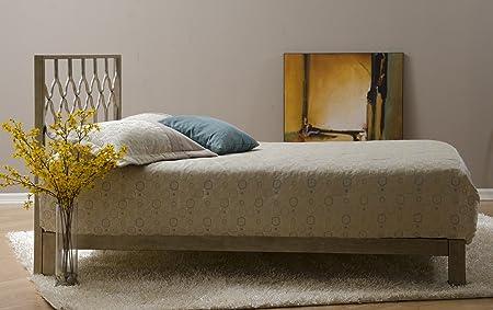 Honeycomb Metal Headboard and Aura Gold Metal Platform Bed (Gold, Queen)