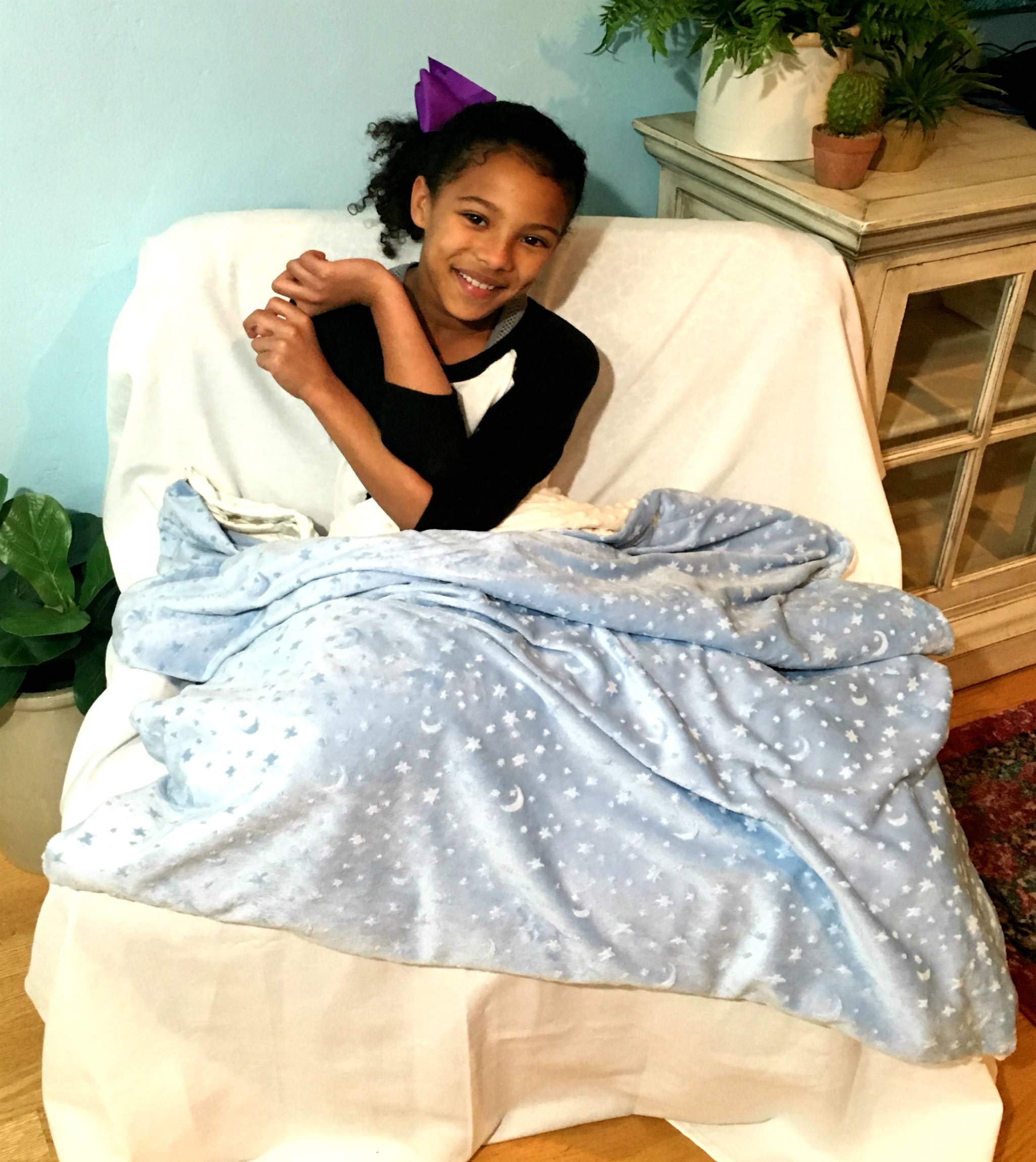 ReachTherapy Solutions))) Weighted Blanket for Kids (4 lbs & 48'' x 36'' - Above The Clouds) - Click to See More Colors & Sizes