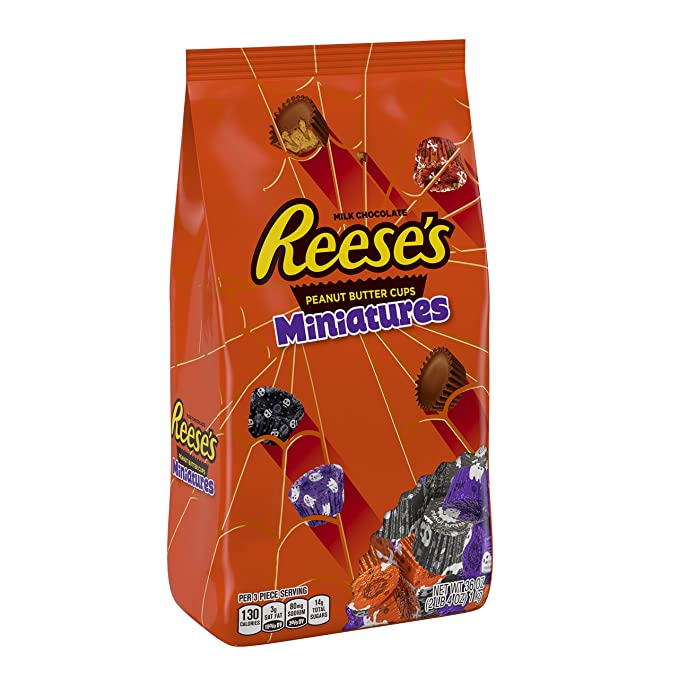 REESES Halloween Candy, Chocolate Peanut Butter Cup Miniatures, Perfect for Halloween Decorations, 36 Ounce