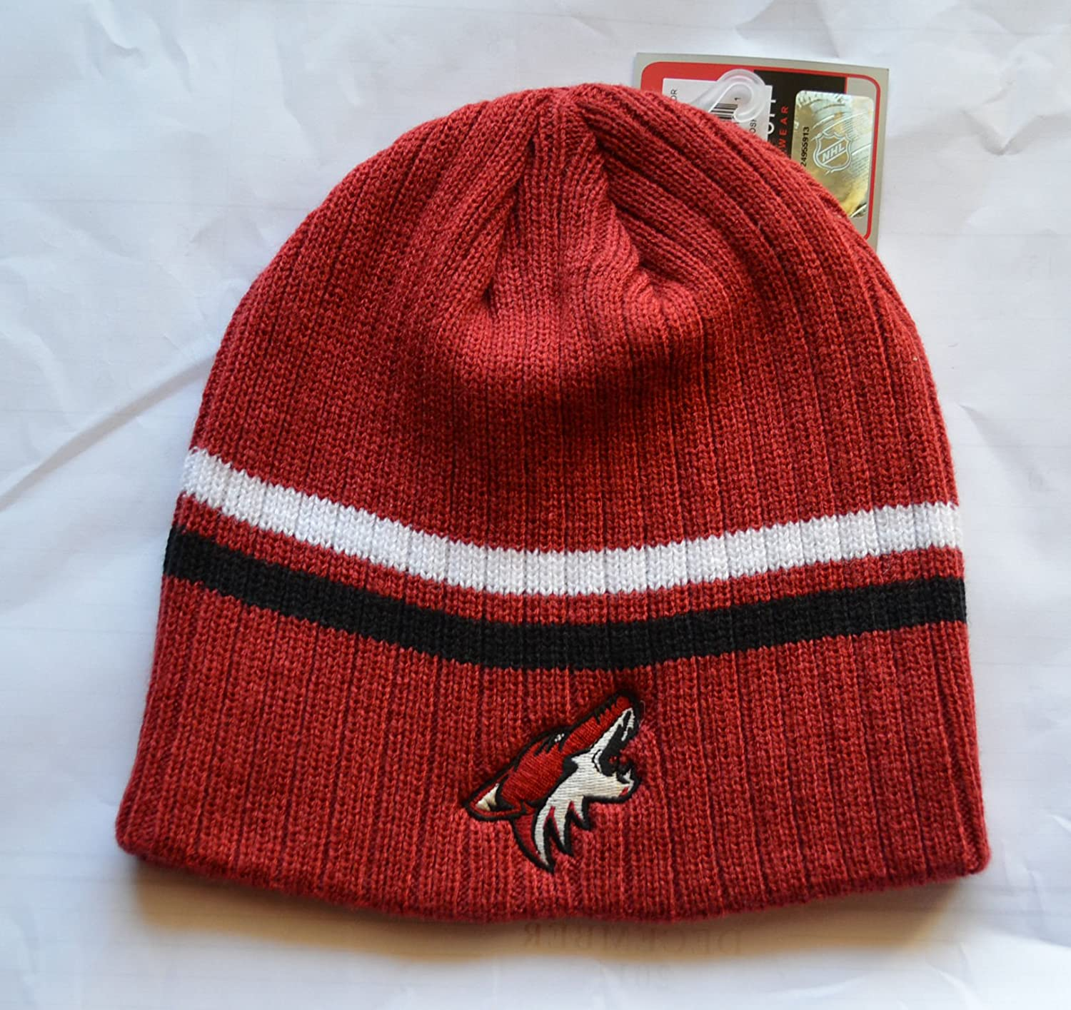 f327e9e2eac Phoenix Coyotes Reebok Face Off Skull Cap - NHL Cuffless Beanie Knit Hat   Amazon.co.uk  Sports   Outdoors