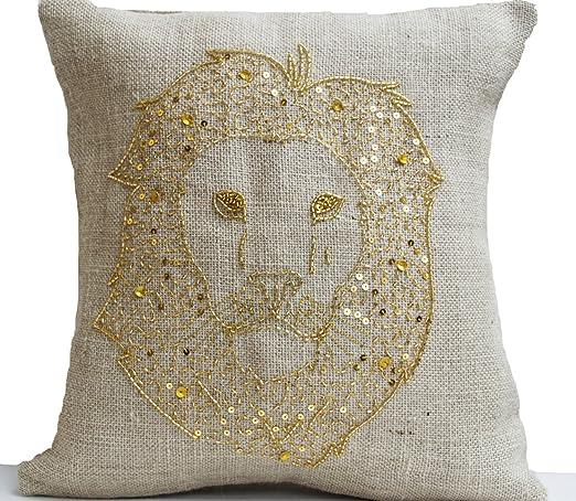 Hecha a mano cojín bordado de lentejuelas de oro con león ...