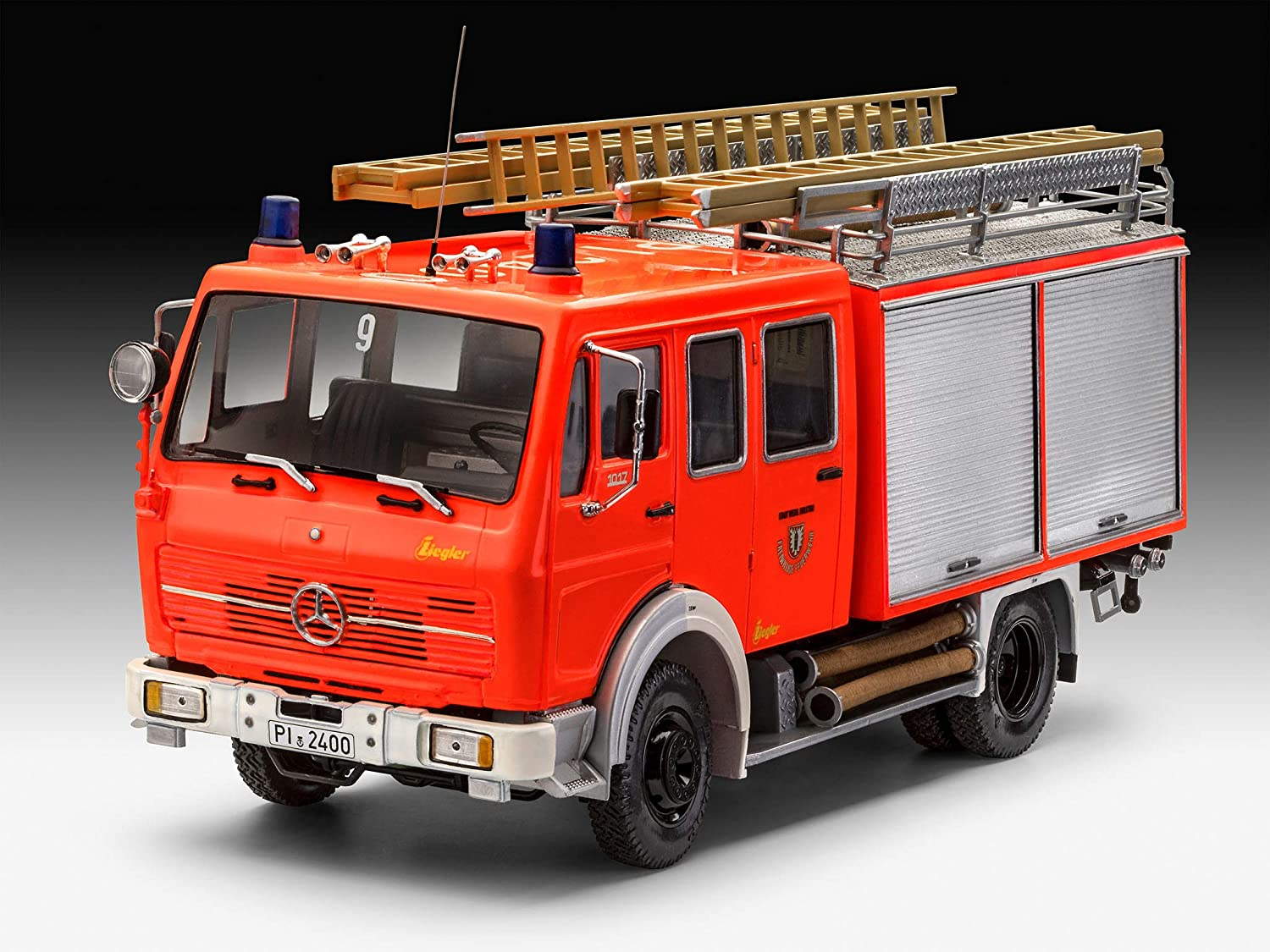 Revell RV07655 Mercedes Benz 1017 LF16 Fire Engine Limited Edition 1:24 Model kit