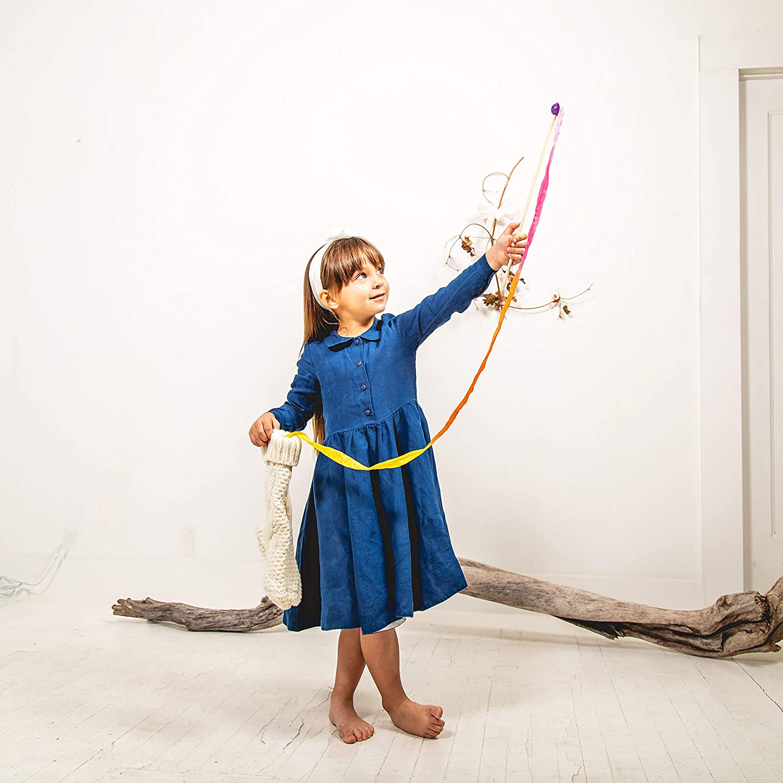 Sarahs Silks 8-Foot Long Vibrant Rainbow Silk Streamer