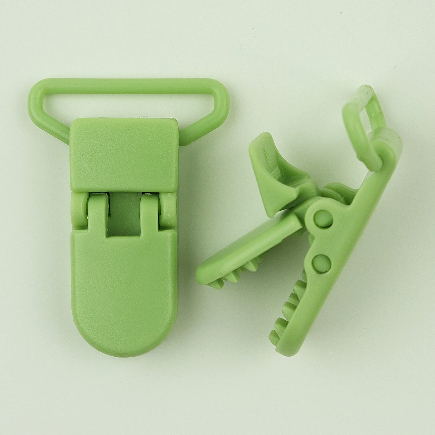 25 Meadow Green (G105) KAM 1 Plastic Pacifier Clips / Suspender Clips with Gripping Teeth for Soother/Paci/Pacifier/Dummy/Bib/Toy Holder Clip by KAM   B00DZV2HMK