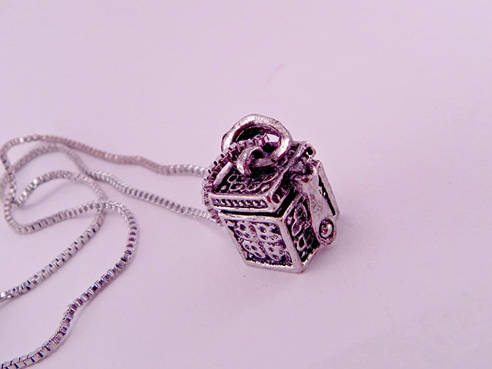 Amazon Com Pandora S Box Vintage Alloy Locket Box With Message Inside Pendant Necklace With 16 Inch Chain Handmade
