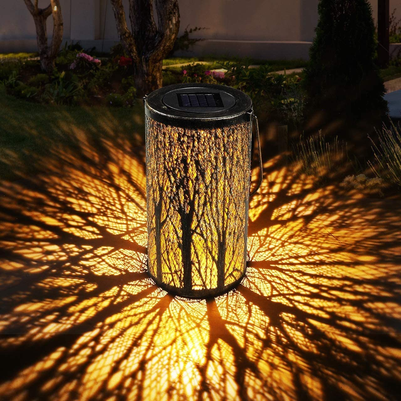 GolWof Solar Lantern Outdoor Hanging, Hanging Solar Garden Lights Decorative Retro Metal Waterproof Solar Lamp for Patio Yard Pathway Walkway Terrace Decorative - Black
