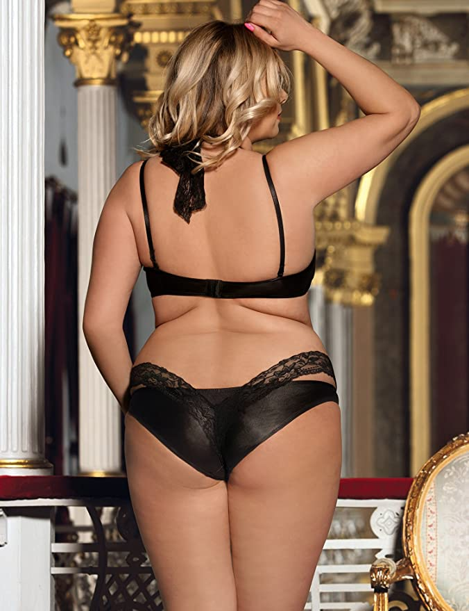 c76e0a8ddac ohyeahlady Women Faux Leather Choker Bralette Bra Sets Push up Lingerie Set  Matching Panties and Lace Thong  Amazon.co.uk  Clothing