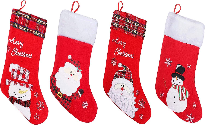 Calcetines Navidad Bordado Pack de 4- Aproximadamente 45cm Calcetin Navidad Rojo Colgante con Muñeco de Nieve y Arte de Santa con Merry Christmas Bordado a Cuadros y Afelpado- Articulos de Decoracion