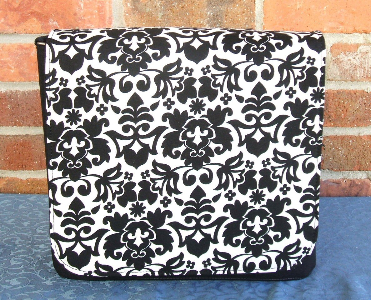 Black Retro Collection Messenger Bag
