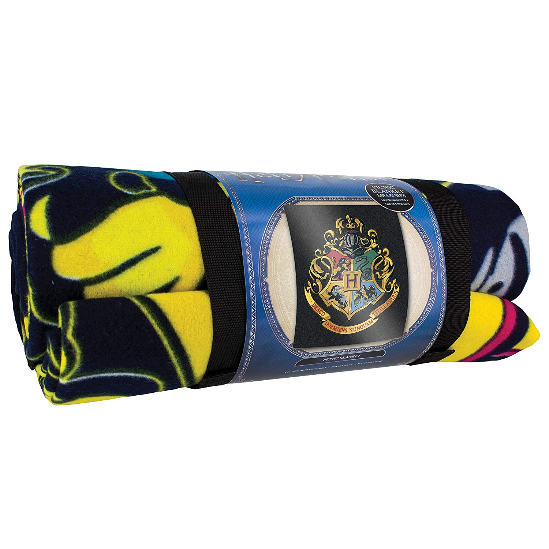 Paladone Hogwarts Crest Picnic Blanket Officially Licensed Harry Potter Merchandise