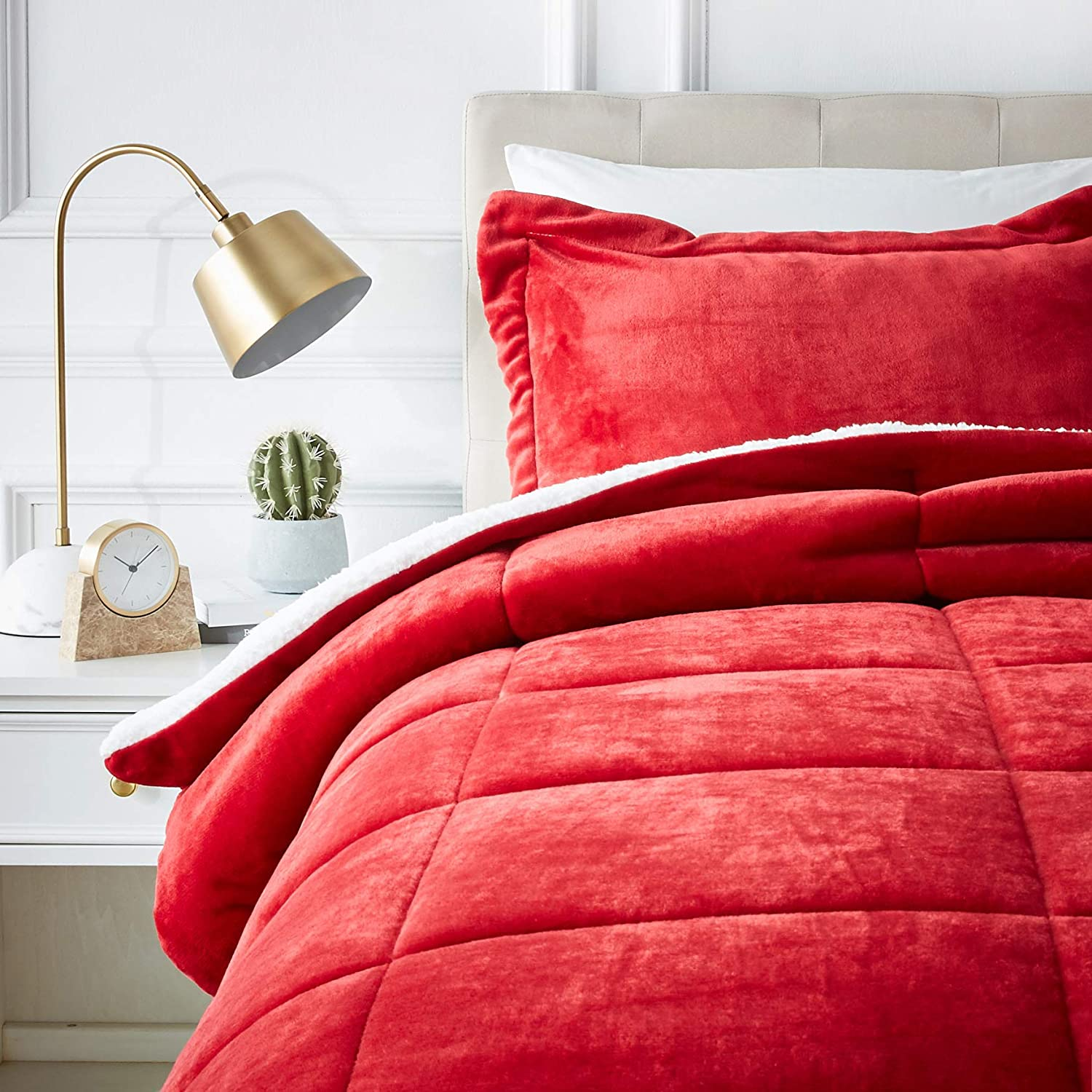 AmazonBasics Micromink Sherpa Comforter Set - Ultra-Soft, Fray-Resistant -Twin, Red